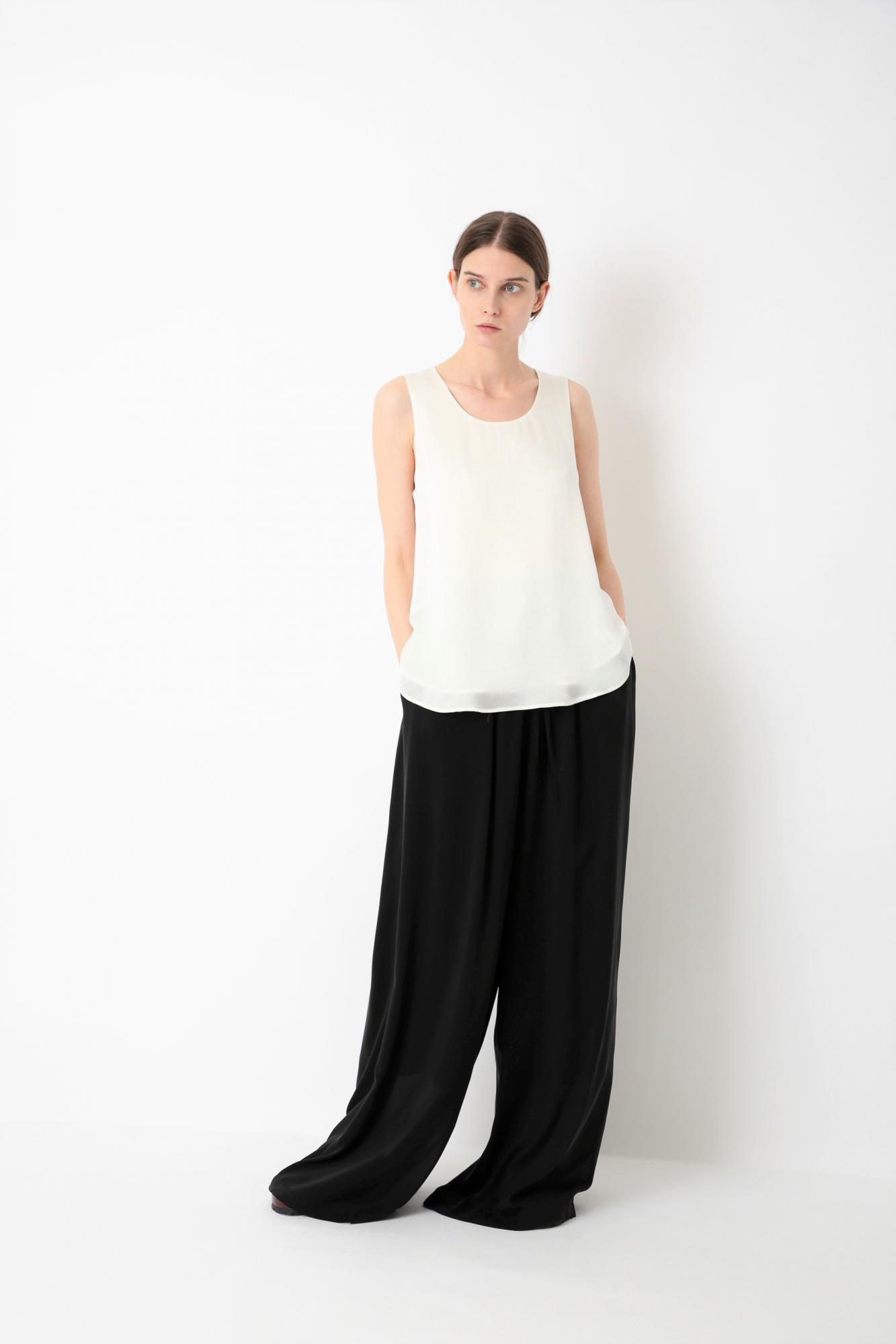 LUSTERED CLOTH TOP